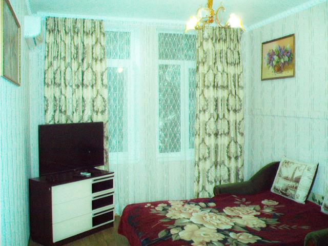 Квартира в 100 метрах от моря в Алуште - 1