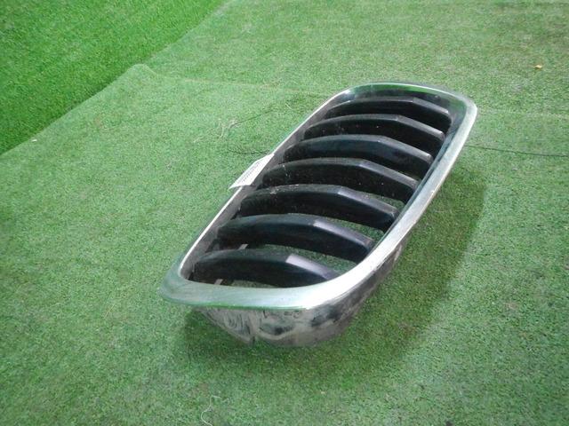 Решетка радиатора правая BMW X5 E70 (2006-2013) 51137171396 - 2