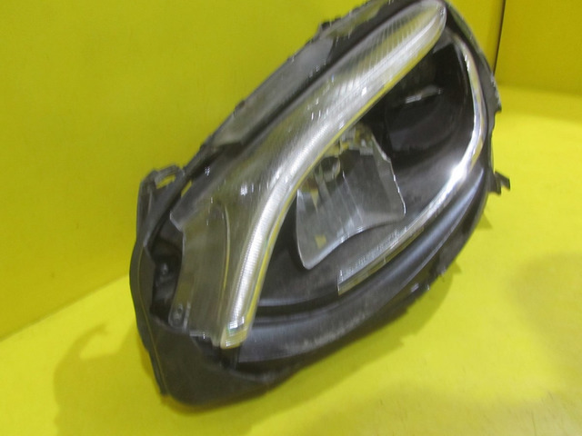 Фара левея LED Mercedes-Benz B w246 (14-н.в.) A2469063301 - 4